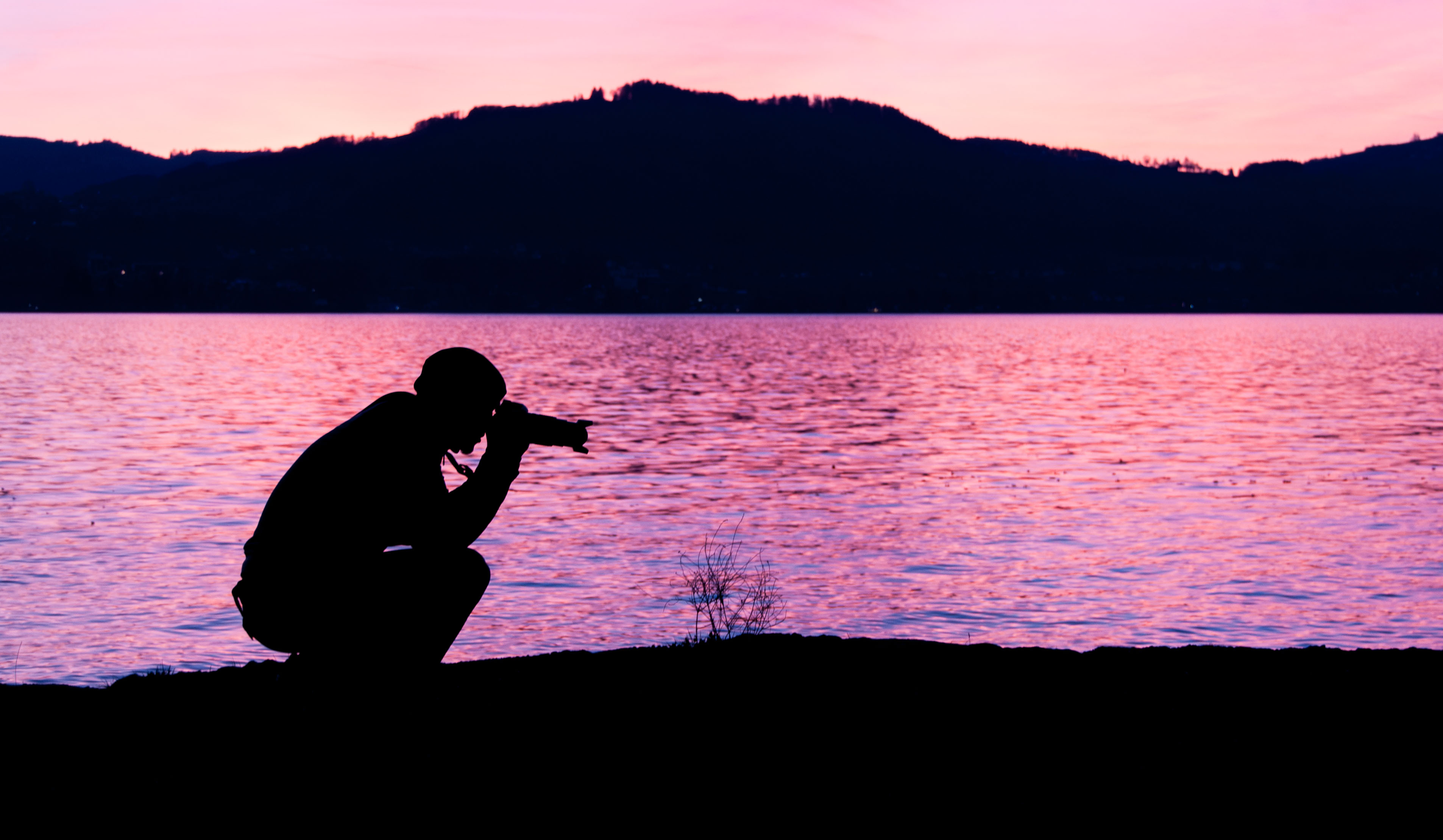 20170325Mike beim fotografieren im Sonnenuntergang